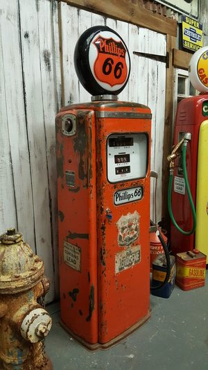 Tokheim 39 gas pump