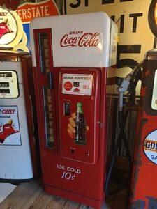 Coca Cola Vending Machine Cavalier C96